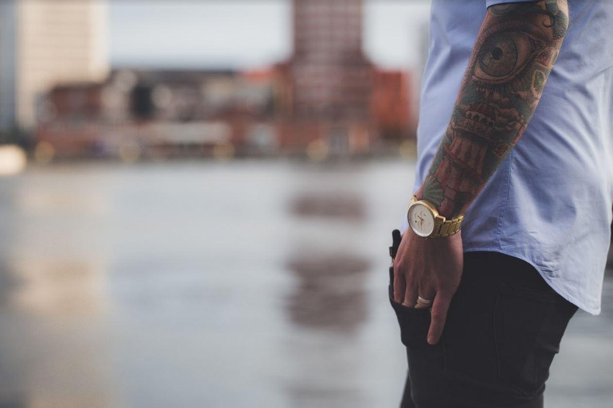 Tatuaże a starzenie się